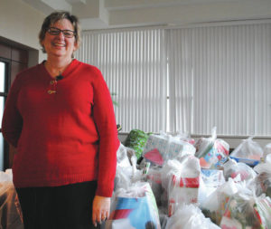 WSU adopts families, donates gifts