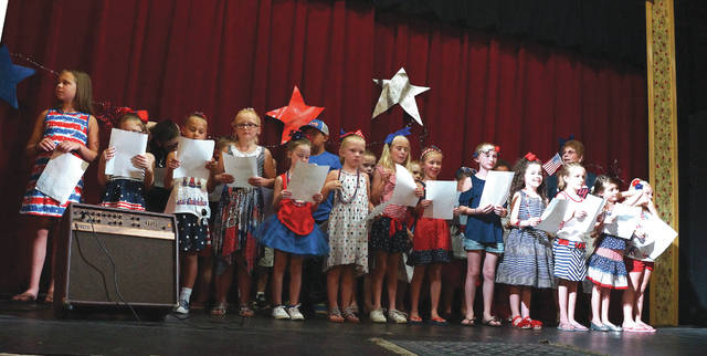 Participants were taught a patriotic song during the intermission of the contest and were asked to sing together in front of the crowd.